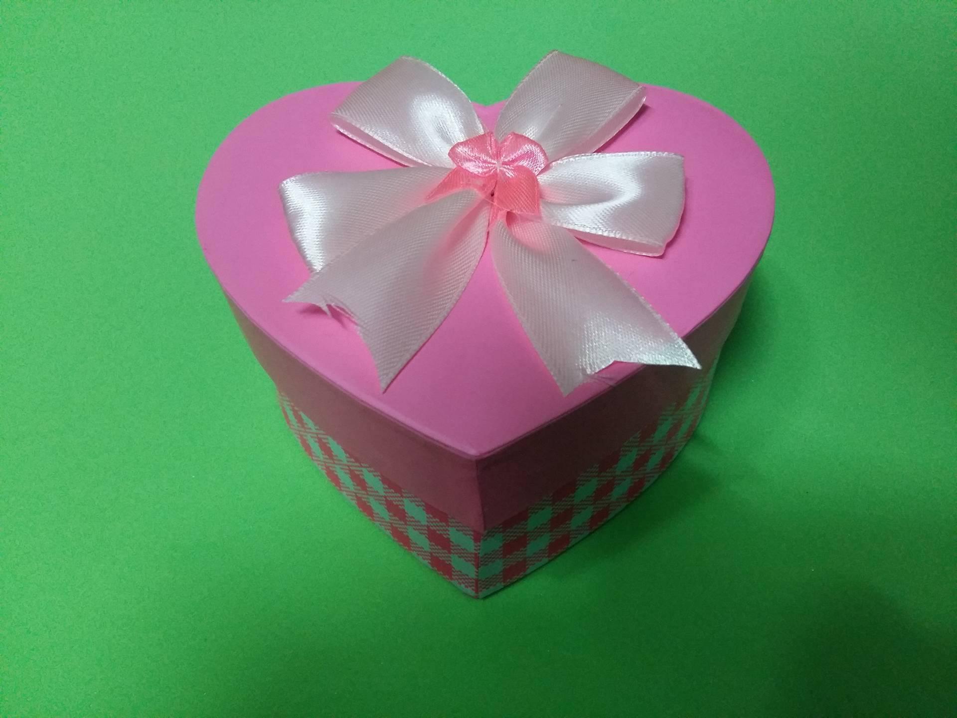 Hộp quà trái tim